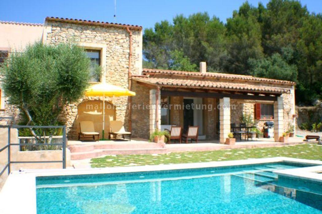 Finca r stica son not en art alquileres vacacionales for Casas vacacionales con piscina